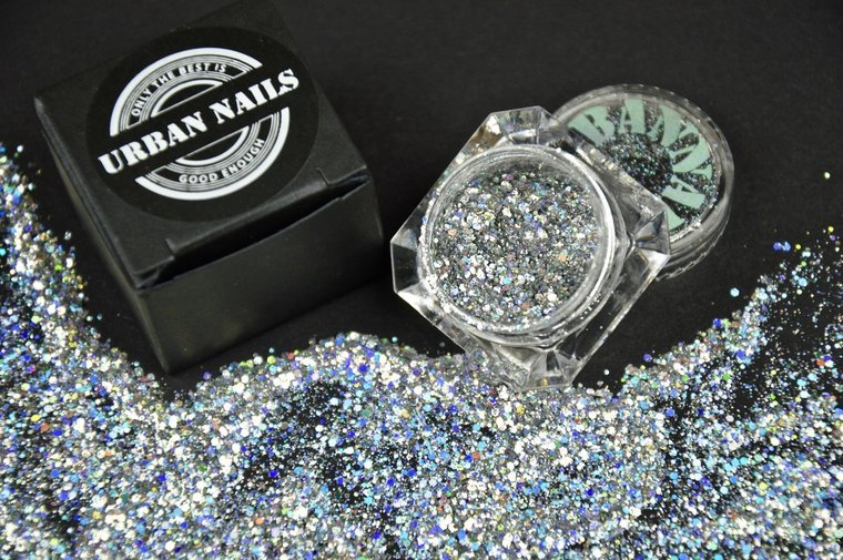 Urban-Nails-Silver-Star